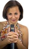 Belle femme tenant la Sainte Bible image stock