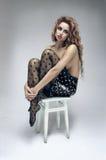 Belle femme tendre dans la jupe de mode images libres de droits