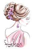 Belle femme tirée par la main avec la coiffure mignonne croquis Femme de mode illustration libre de droits