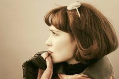 Belle femme triste de mode extérieure Photographie stock libre de droits
