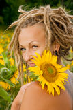 Belle fille avec des dreadlocks Photos stock