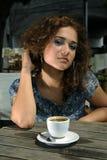Belle fille avec du café photo libre de droits