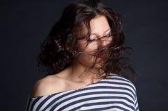 Belle fille avec le cheveu de vol Image libre de droits