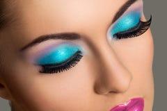 belle fille avec le maquillage color photo stock - Colori Maquillage