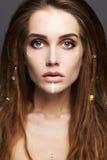 Belle fille avec le maquillage et les dreadlocks Image libre de droits