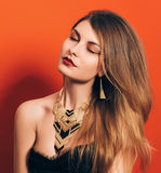 Belle fille avec un maquillage spectaculaire Photo libre de droits