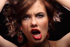 Belle fille avec une cicatrice sur le visage et l'épaule Images stock