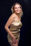 Belle fille blonde avec le sourire image stock