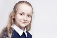Belle fille blonde caucasienne avec les yeux profonds merveilleux Image stock