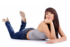 Belle fille dans des jeans image stock