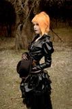 Belle fille dans l'équipement gothique Image libre de droits