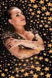 Belle fille dans le ciel stellaire Photos stock