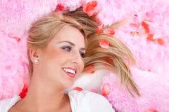 Belle fille dans le rose Photo stock