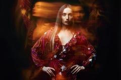 Belle fille de danse effets de couleur photographie stock