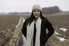 Belle fille de l'adolescence caucasienne suédoise dehors Photos stock