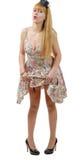 Belle fille de pin-up avec une robe colorée images libres de droits