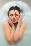 belle fille de salle de bains Photo libre de droits