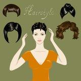 Belle fille et un ensemble de coiffures Photo stock