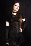 Belle fille gothique avec le renivellement de cygne Image libre de droits