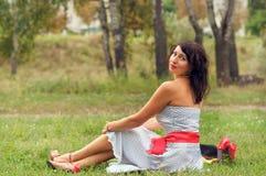 Belle fille sur la nature Image libre de droits