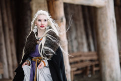 Belle fille Viking image stock