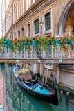 Belle gondole veneziane romantiche immagine stock