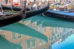 Belle gondole veneziane romantiche immagini stock libere da diritti