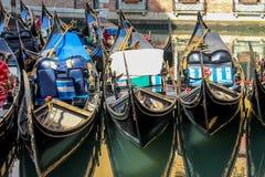 Belle gondole veneziane romantiche fotografie stock libere da diritti