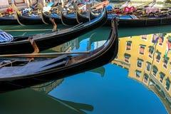 Belle gondole veneziane romantiche immagine stock libera da diritti
