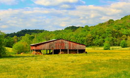 Belle grange rouge Image libre de droits