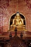 Belle image d'or de Bouddha Photographie stock libre de droits