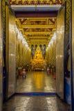 Belle image de Bouddha dans l'église bouddhiste Image stock