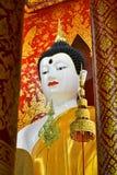 Belle image de Bouddha dans le temple Photos libres de droits