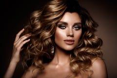 Belle jeune brune avec le maquillage Images stock