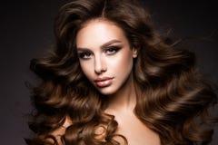 Belle jeune brune avec le maquillage Photo libre de droits