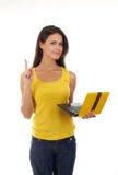Belle jeune femelle avec un ordinateur portatif Images stock