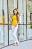 Belle jeune femme à la mode Photos stock