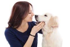 Belle jeune femme avec un chien Images libres de droits