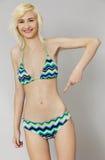 Belle jeune femme dans le bikini Images stock
