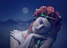 Belle jeune femme Portrait de femelle d'Ethno photo stock