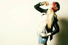 Belle jeune femme sexy hippie Portrait d'un beau mod frais de mode Images stock