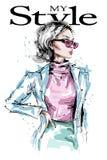 Belle jeune femme tirée par la main dans des lunettes de soleil Regard élégant élégant de mode de fille Verticale de femme de mod illustration stock