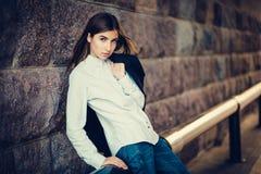 Belle jeune fille à la mode Images libres de droits