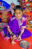 Belle jeune fille avec le costume embroydered traditionnel Image libre de droits