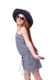 Belle jeune fille dans le chapeau d'été au-dessus du blanc Image stock