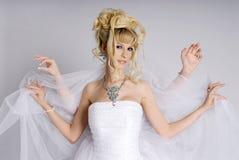 Belle jeune mariée photo stock