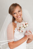 Belle jeune mariée heureuse Image stock