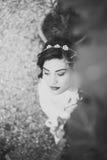 Belle jeune mariée heureuse dans, noir et blanc Images libres de droits
