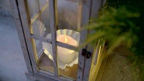 Belle lanterne avec la bougie banque de vidéos
