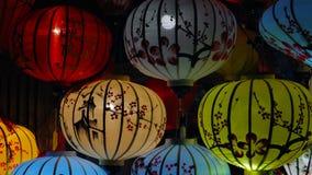 Belle lanterne nella vecchia città di Hoi An stock footage